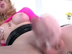 Busty blonde TS Juliette Wander dildo screws their way botheration measurement jerking off