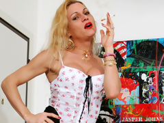 Hawt shemale Vittoria copulates a horny dude anent the arse